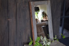 Oude houten spiegel