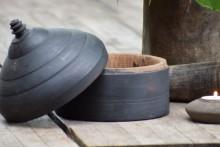 Zwarte  houten Tika pot  XL