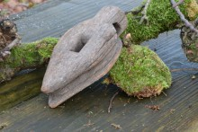 Oud houten ornament