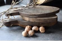 Oud houten amuseplankje aan touw