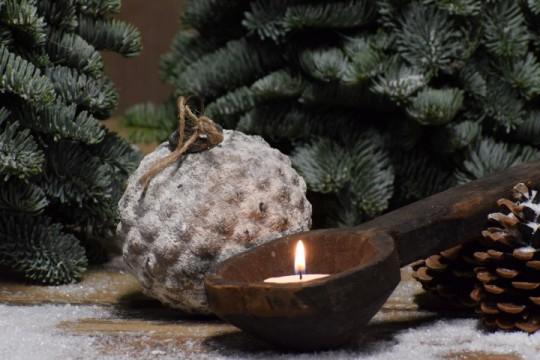Besneeuwde kerstbal/ Ornament S